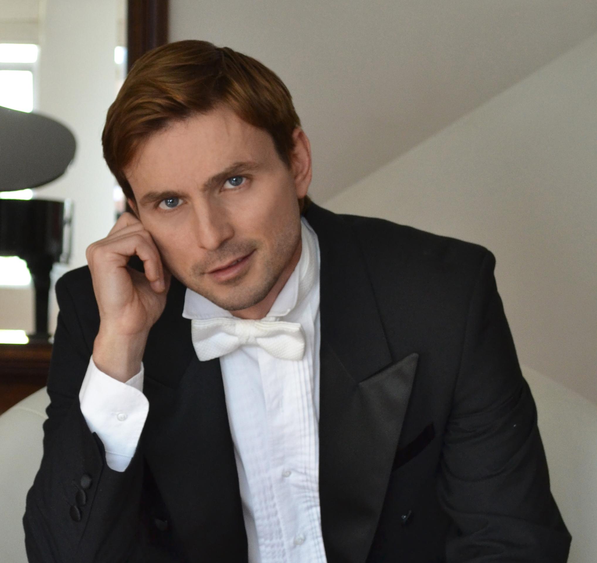Sergei Sichkov, Tan Grande y Jugando, Orquesta sinfónica,