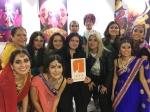 BombaBombay, Bomba Bombay, Puerta Naranja, Diego Rojas, India, cultura Hindú, hindú, Exposición, arte, ilustración, Tan Grande y Jugando