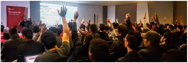 Unity User Group, Expo Unity, unity, Unity Developer Day, Unity Developer Day: Colombia 2018, Unity Developer Day Colombia 2018, Unity Developer Day Colombia, tan grande y jugando